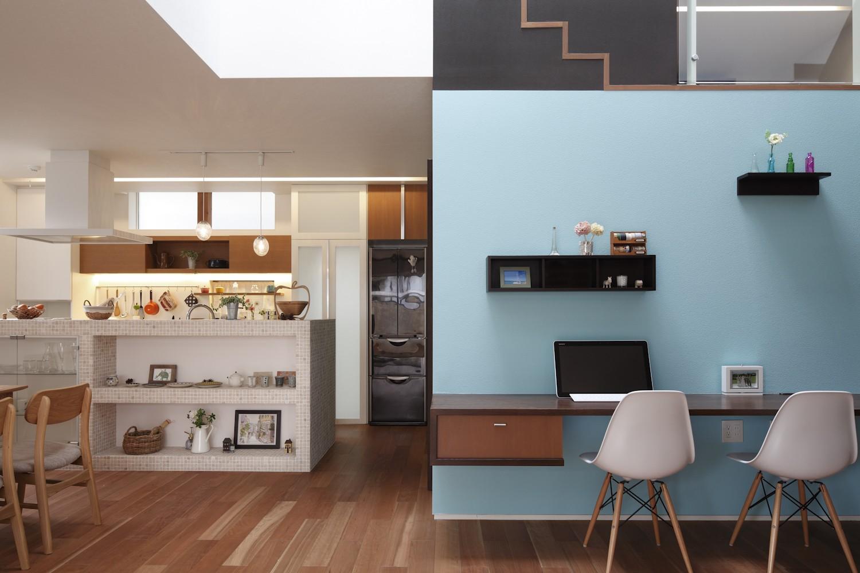 書斎事例:みずみずしいブルーが印象的な Working Space(仕事場のある住まい|あなたの場所・自分の居場所を創る|みずみずしいブルーが印象的なWorking Space)