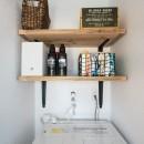 デッドスペースの有効活用と見せる収納の写真 洗濯室