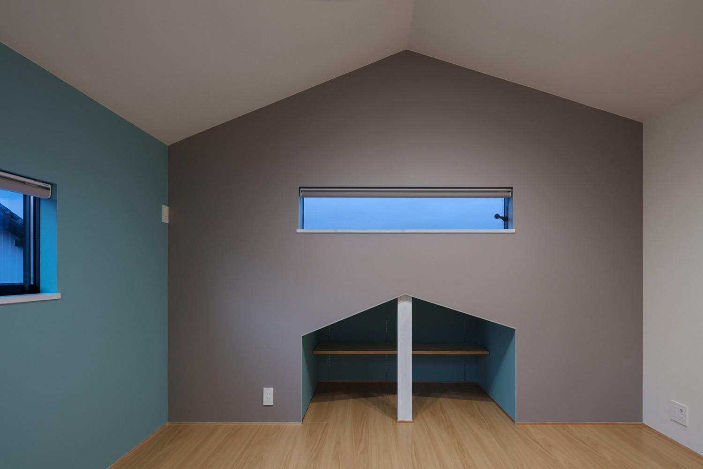 子供部屋事例:黒板クロスで楽しい子供部屋(三日月の家~農業のある田舎暮らし。インテリアにこだわった程良い距離感の2世帯住宅~)