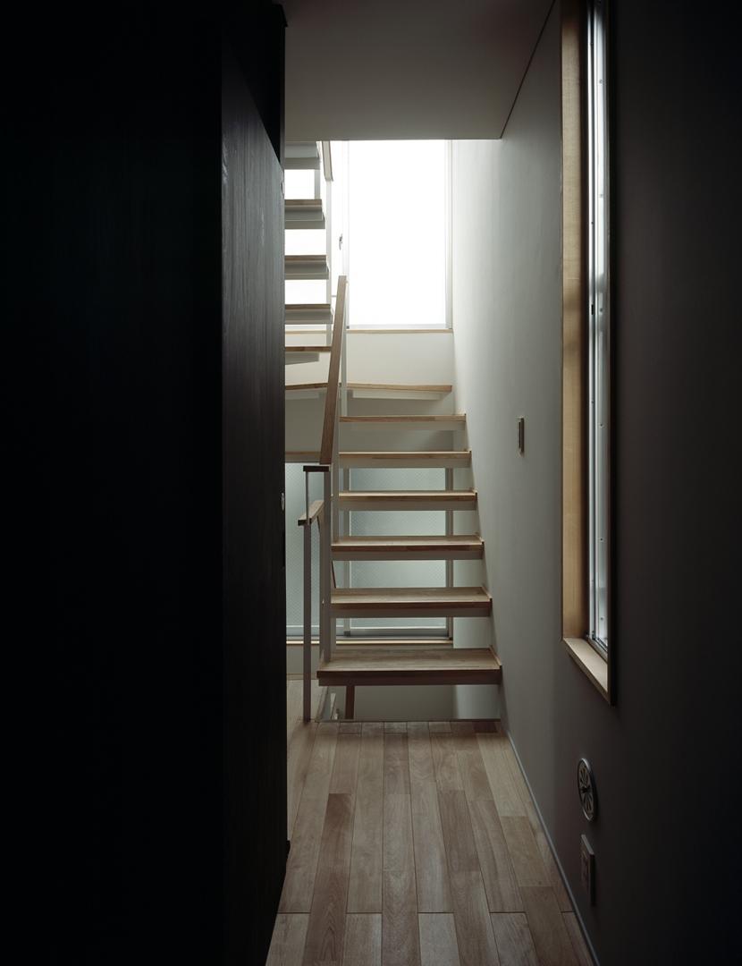 代沢の住宅 / 11坪の店舗付住宅の写真 階段室
