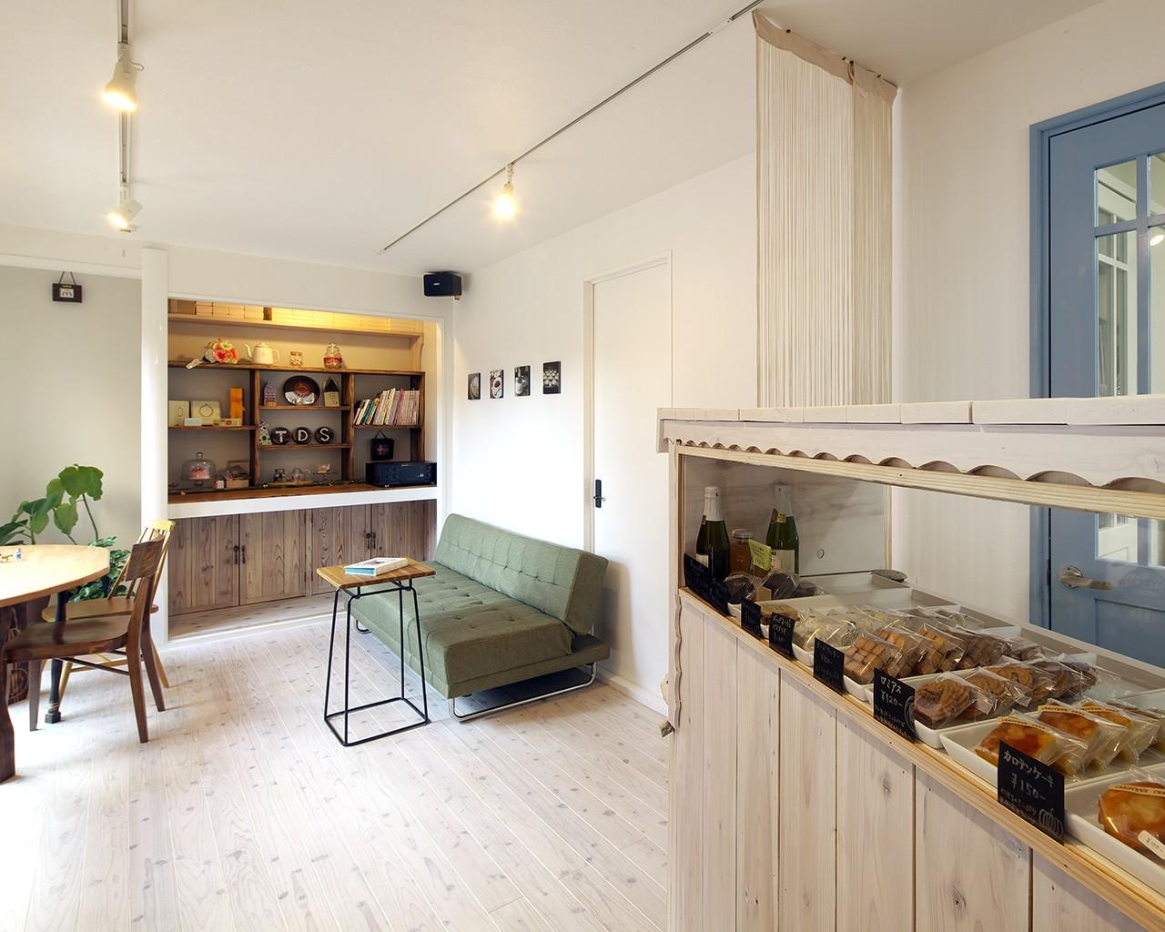 その他事例:実家のダイニングキッチンと和室をリフォームした「お菓子工房」(お菓子の家~店舗併設2世帯住宅。隠れ家的小さなお菓子工房のあるおうち~)
