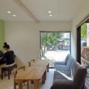 お菓子の家~店舗併設2世帯住宅。隠れ家的小さなお菓子工房のあるおうち~の写真 離れの1階はカフェスペース