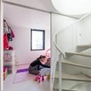 6坪のオアシス〜明るく 機能的で 美しい 超狭小住宅!〜の写真 可動間仕切りで間取りが変わるキッズスペース