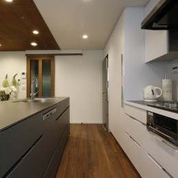 M様邸_こだわりキッチンのシンプル空間