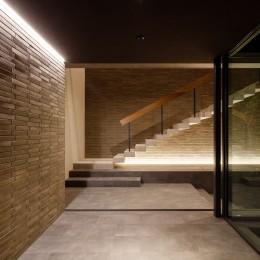 N邸 (玄関夜景)