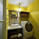 リノベーションで思いどおりの住まいの写真 個性的でポップな洗面室
