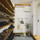 リノベーションで思いどおりの住まいの写真 シンプルで機能的な玄関