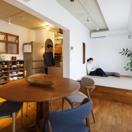K邸-家は仕事を支える大切な場所。暮らしが心地よいと仕事もうまくいく (リビング)