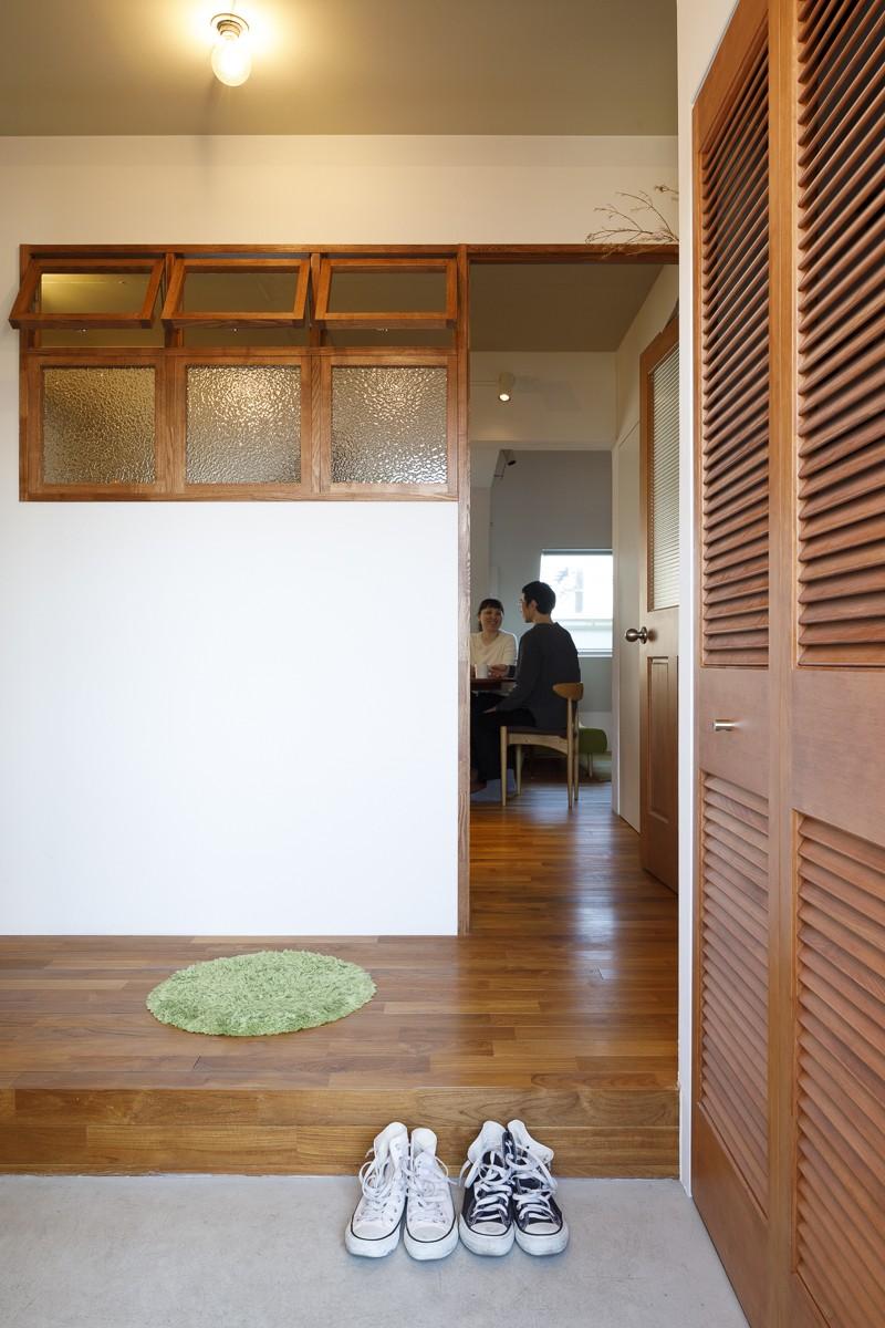 K邸-家は仕事を支える大切な場所。暮らしが心地よいと仕事もうまくいく (玄関)