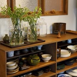 K邸-家は仕事を支える大切な場所。暮らしが心地よいと仕事もうまくいく (食器棚)