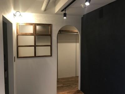 玄関 (レトロと暮らす 明石市マンションリノベーション)