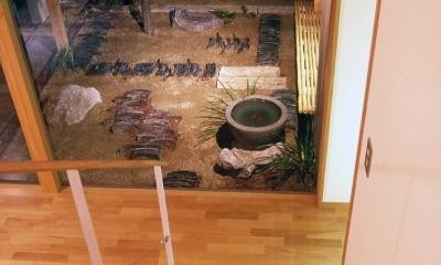 小松島の家 / 「間」に住まう (坪庭、玄関)