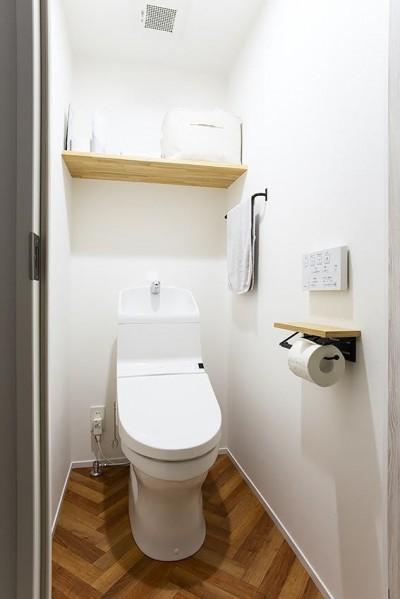ヘリンボーン床トイレ@CIRCUIT (CIRCUIT)