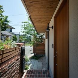 深沢の家 (玄関ポーチ)