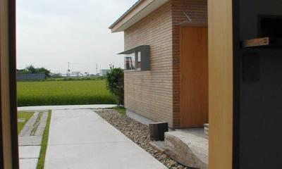 小松島の家 / 「間」に住まう (玄関アプローチ)