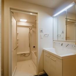 無垢材のやさしさ (洗面室、浴室)