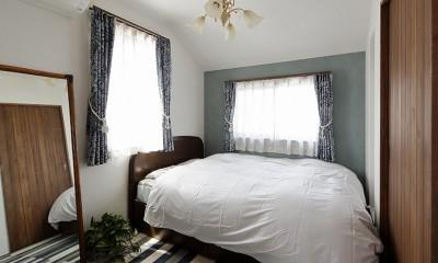 リノベーションで3室追加! 暮らしやすい家の工夫 (クラシカルな趣きの主寝室)