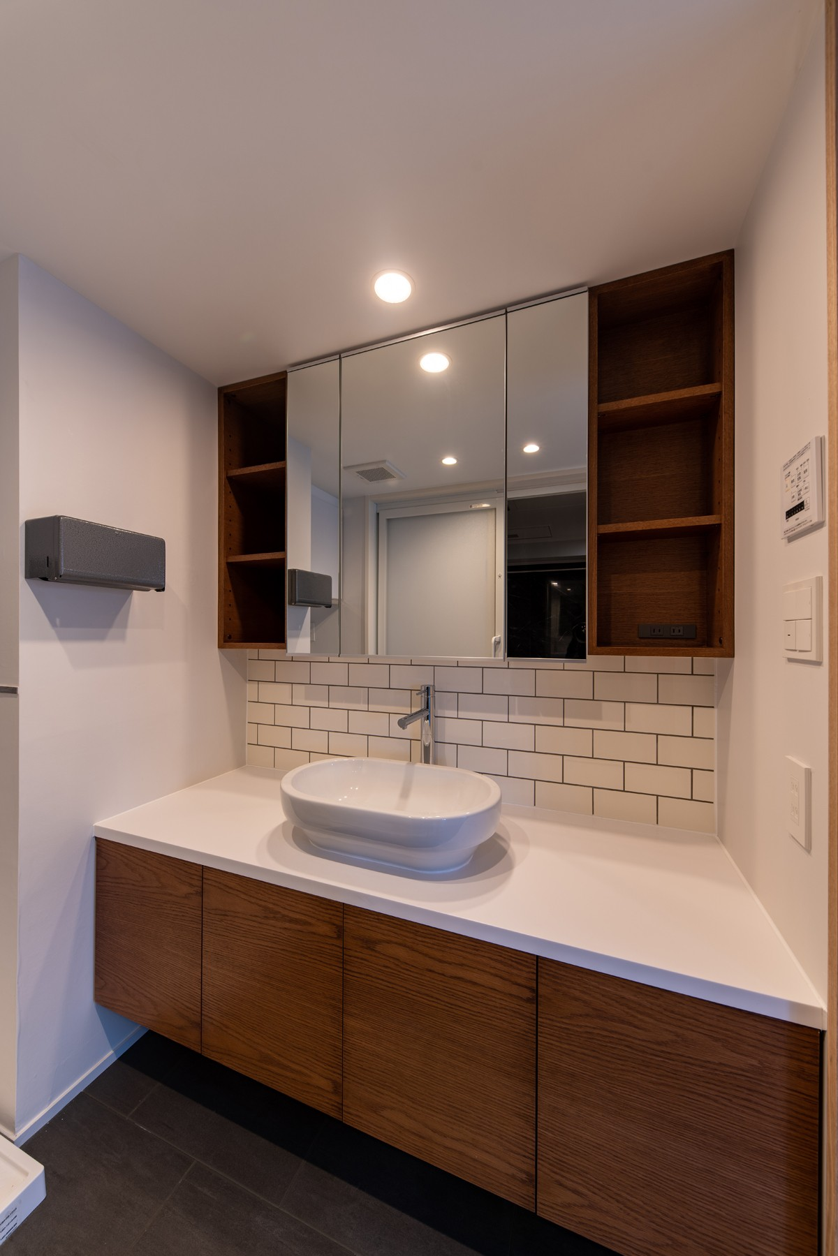 バス/トイレ事例:フロート洗面台(パノラマLDK12400)
