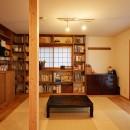おもてなしの心あふれる和モダンな家の写真 リビング和室