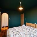 おもてなしの心あふれる和モダンな家の写真 寝室