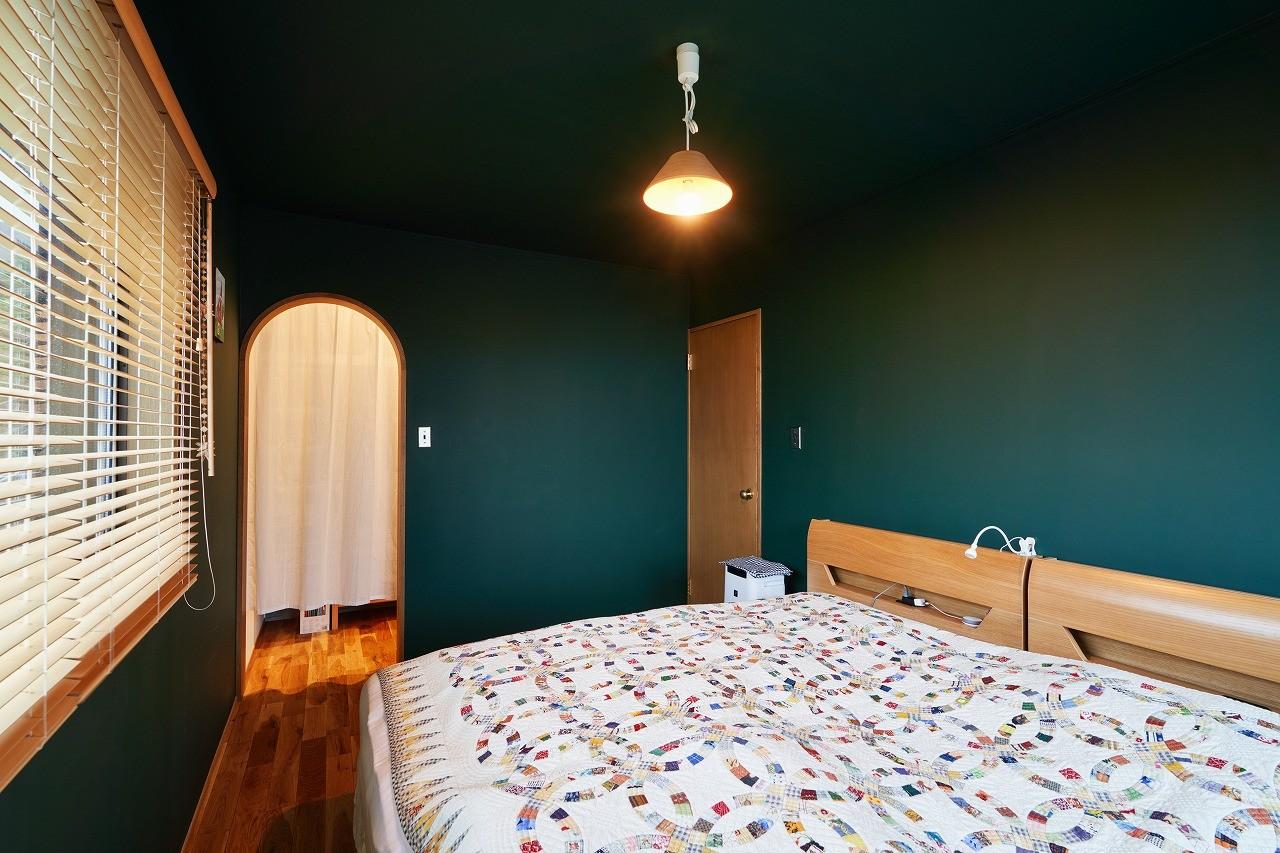 ベッドルーム事例:寝室(おもてなしの心あふれる和モダンな家)