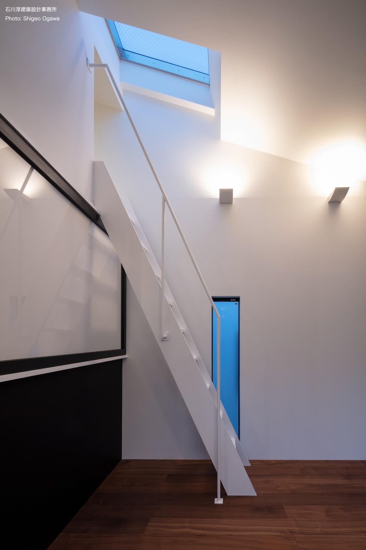 その他事例:ロフトへの階段(公園前の家 OUCHI-44)