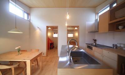 シンプル+ナチュラルな家~2人の好きをMIXした家~ (ダイニングキッチン)