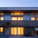 たまプラーザの家(2世帯住宅)の写真 外観夜景
