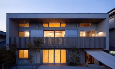 たまプラーザの家(2世帯住宅) (外観夜景)