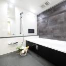 開放的なオープンキッチンの写真 バスルーム