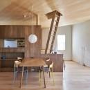幾何学模様に出会えるまちの家の写真 2階リビングダイニング