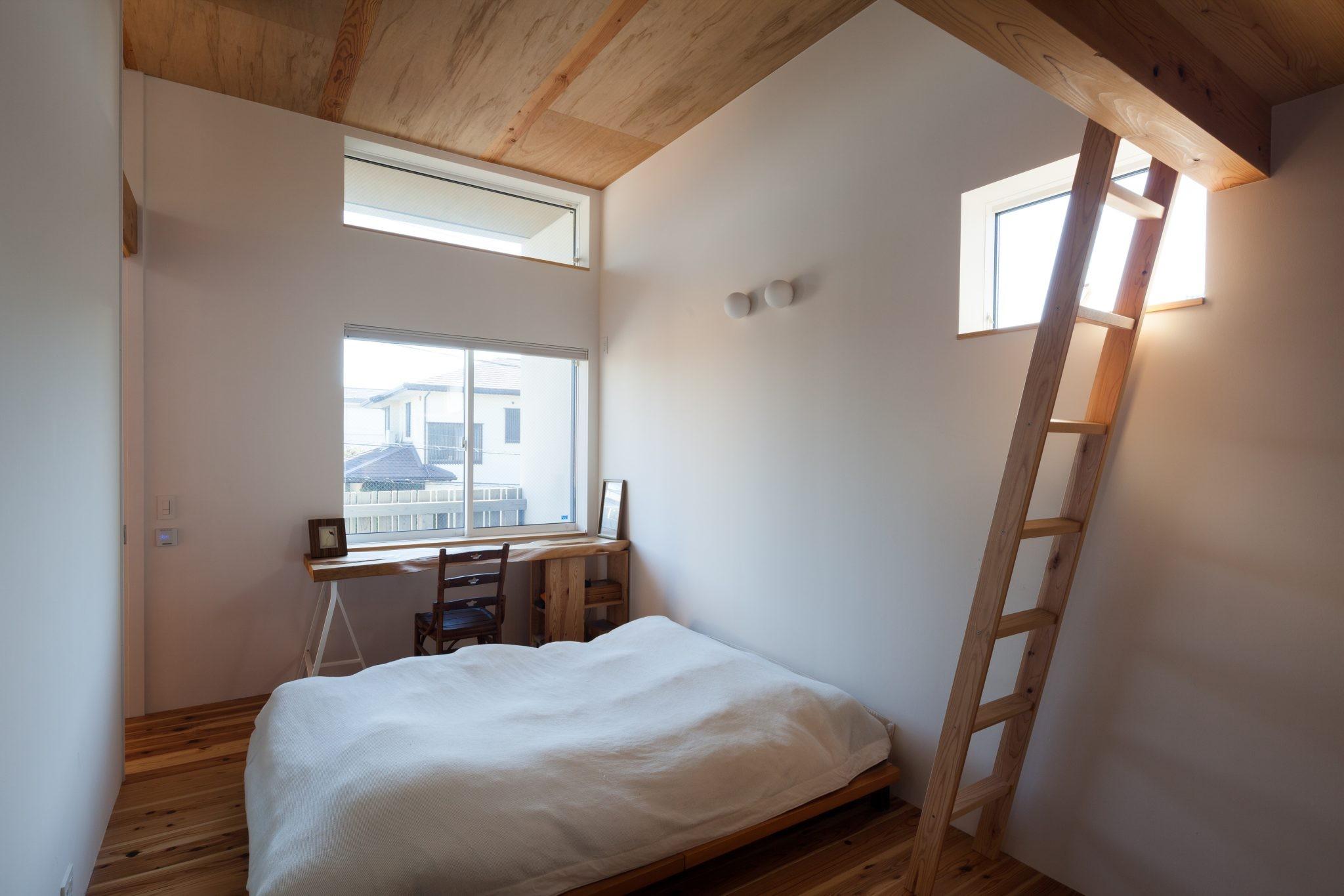 ベッドルーム事例:主寝室(たまプラーザの家(2世帯住宅))