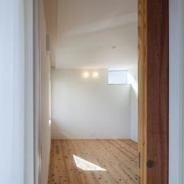 たまプラーザの家(2世帯住宅) (1階寝室)