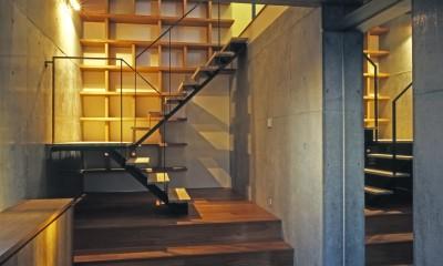 大銀杏の家(二世帯住宅) (玄関)