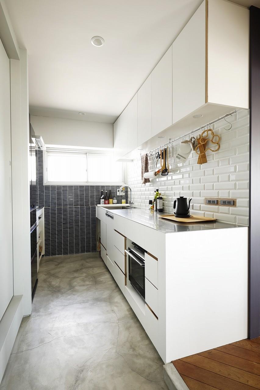 デッドスペースのない家 (キッチン)