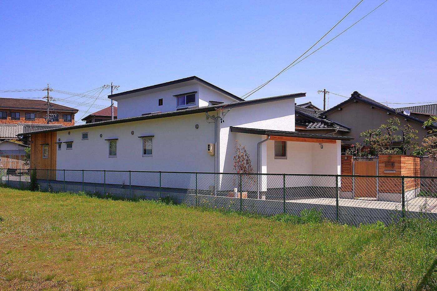 外観事例:外観(自然体で暮らす平屋~光・風・緑を取り込む家~)