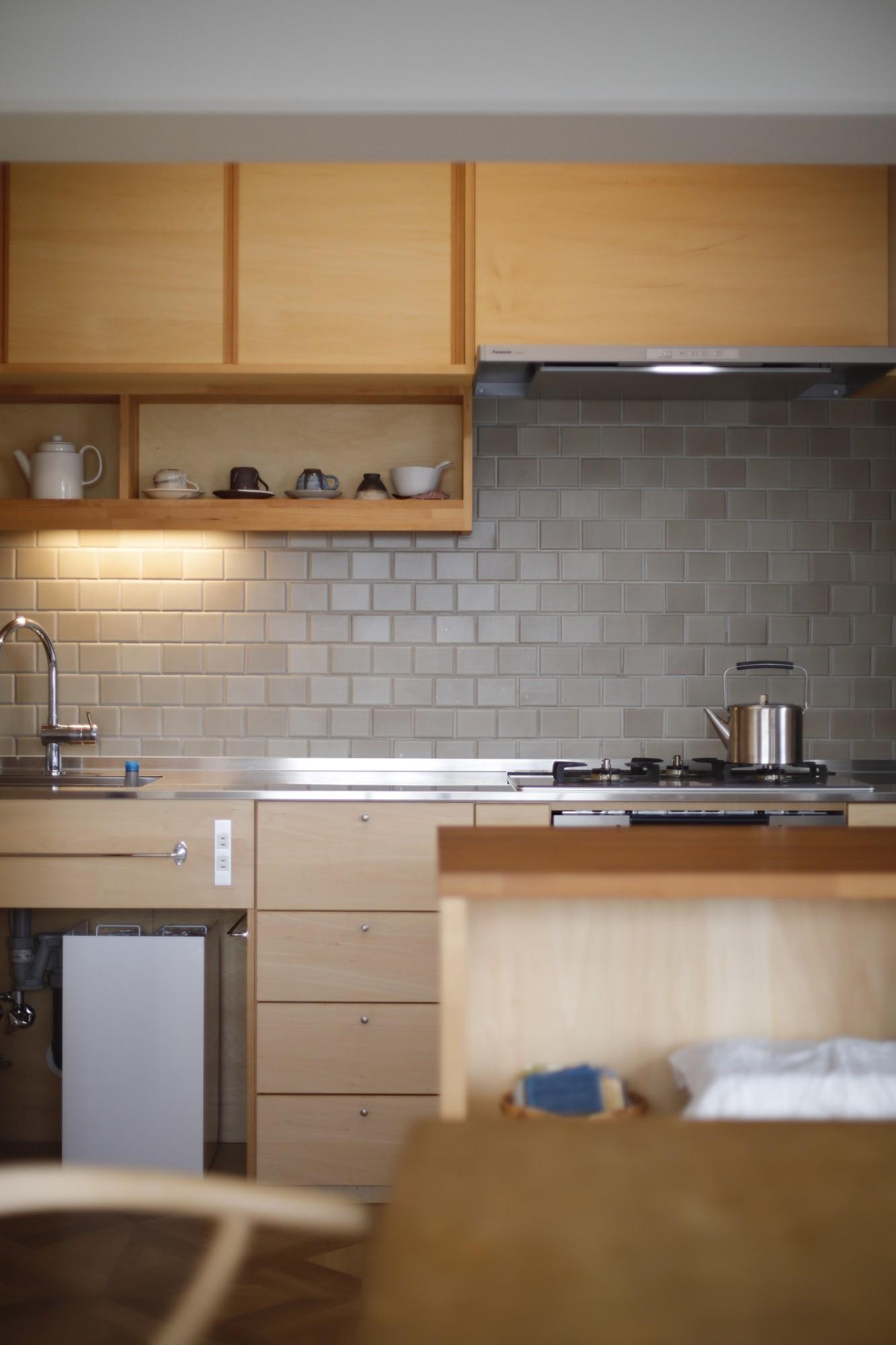 キッチン事例:キッチン(中古マンションのリノベーション~木の温もりのあるオーダーキッチンとオーダー家具~)