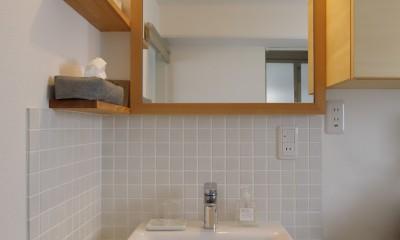 中古マンションのリノベーション~木の温もりのあるオーダーキッチンとオーダー家具~ (洗面所)