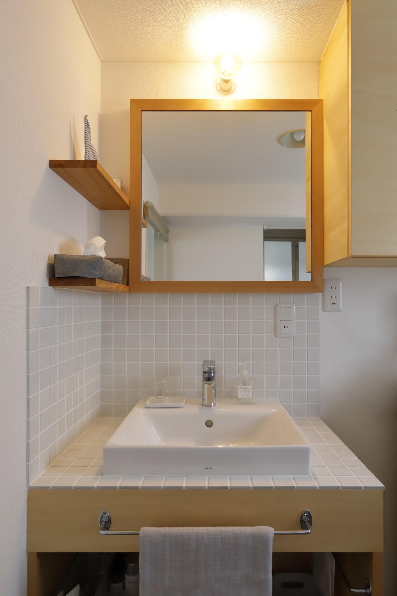 バス/トイレ事例:洗面所(中古マンションのリノベーション~木の温もりのあるオーダーキッチンとオーダー家具~)
