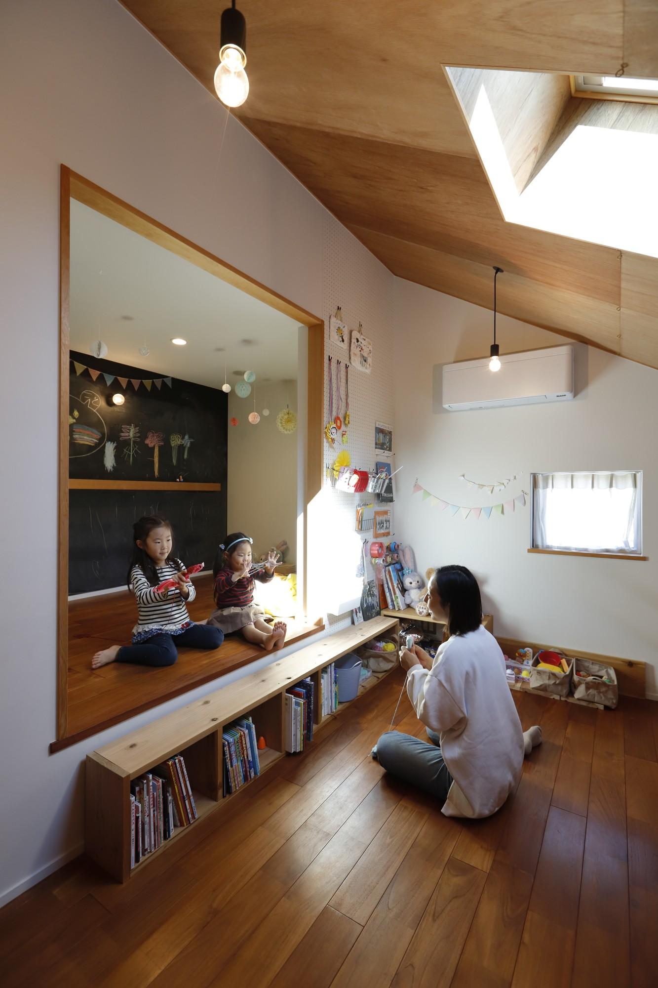 子供部屋事例:子供室(庭とつながる家~自然を身近に感じる家~)