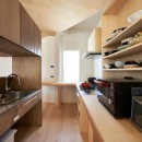幾何学模様に出会えるまちの家の写真 キッチン