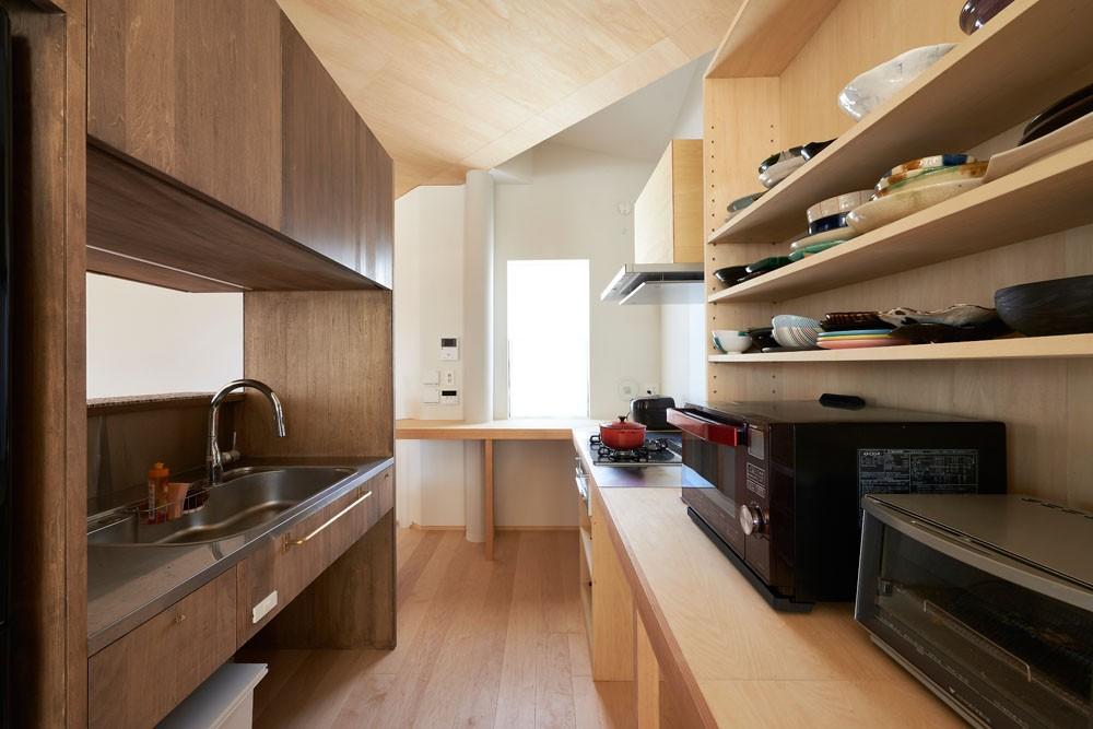 幾何学模様に出会えるまちの家 (キッチン)