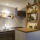 Carpenter's houseの写真 見せる収納がついたキッチンカウンター&キッチン