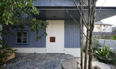 エントランス|登り庭の家/徒歩15秒の山荘