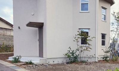 幾何学模様に出会えるまちの家 (エントランス付近)