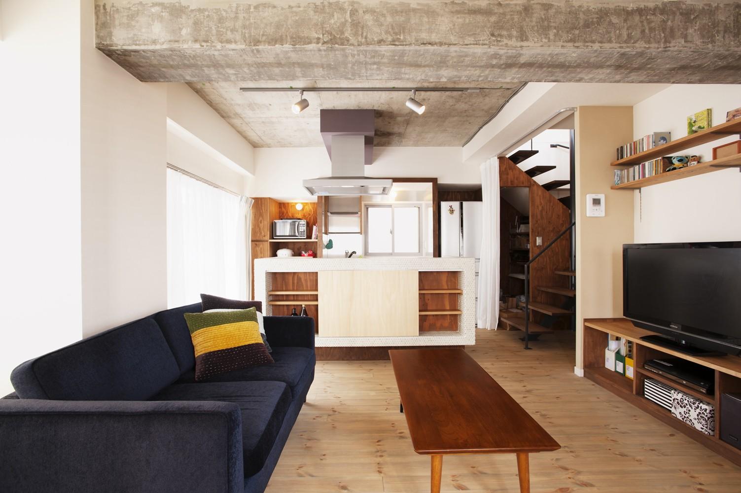 キッチン事例:キッチン(I様邸_昭和時代の喫茶店のようないえ)