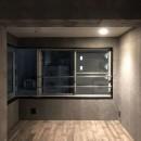 シックな大人のリノベ空間の写真 ベッドスペース