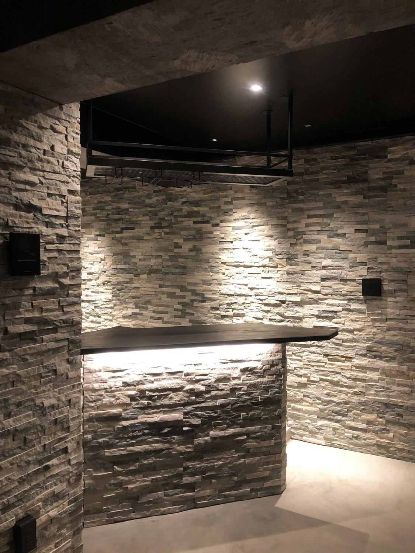 キッチン事例:バーカウンター(シックな大人のリノベ空間)