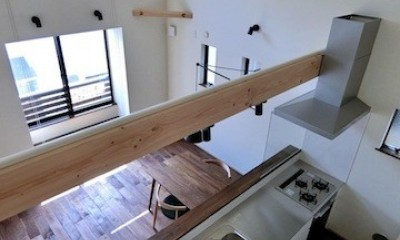 18坪の敷地にたつ収納たっぷりのコンパクトな家 (キッチン)
