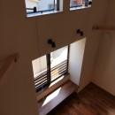 18坪の敷地にたつ収納たっぷりのコンパクトな家の写真 リビング